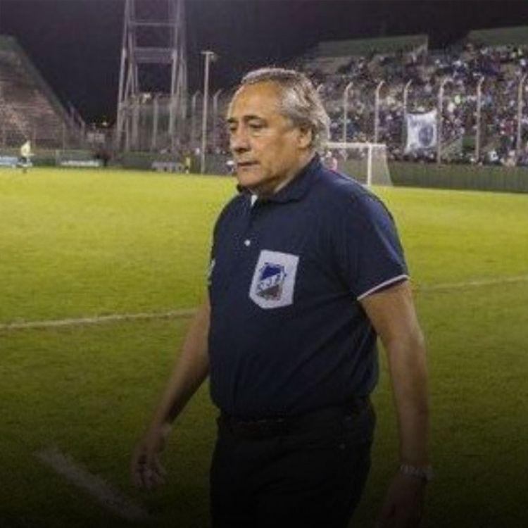 El santo realizará su última práctica este viernes en el predio de Pinares, donde el entrenador definirá a los 18 futbolistas elegidos.