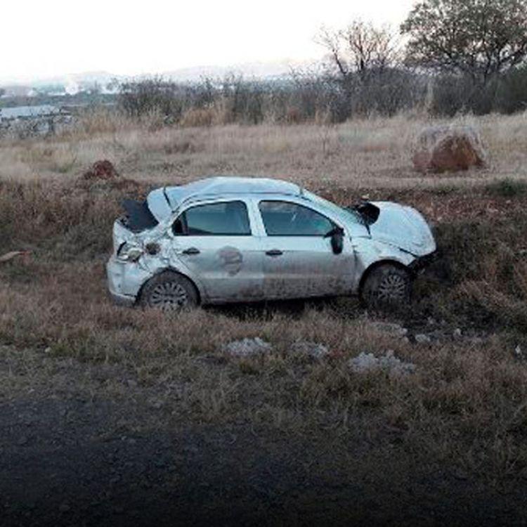 El hombre que conducía no registró golpes graves,por lo que, sólo fue trasladado por observación.