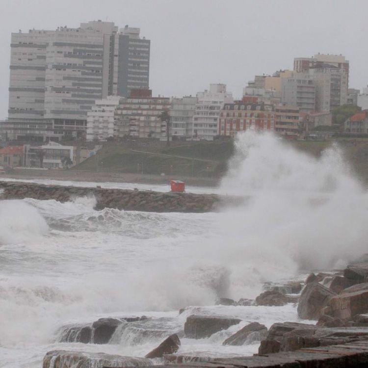 Un ciclón castiga las costas boanerenses, se registran intensas lluvias
