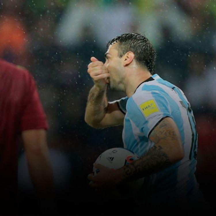 El conjunto de Edgardo Bauza se mostró muy errático en el primer tiempo, en el segundo despertó y consiguió un empate.