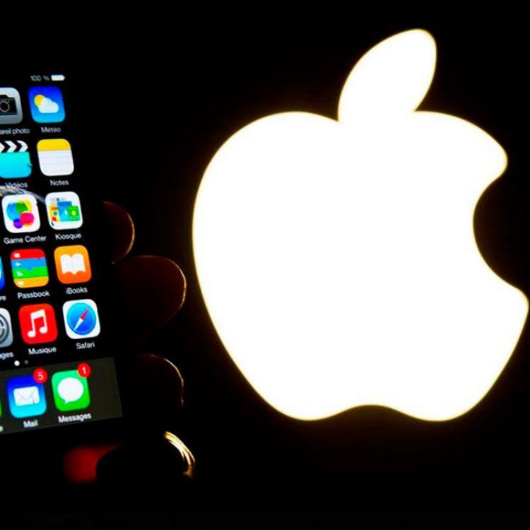 En esta décima generación del dispositivo, que con su pantalla táctil revolucionó el sector de los smartphones, se especulan 3 modelos.
