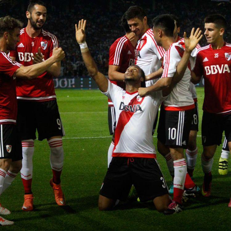 primer gol de Arturo Mina en River Plate