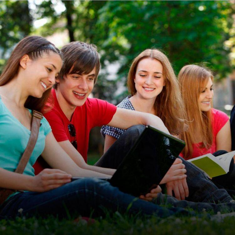 El 80% de los extranjeros que llega a la Argentina para aprender el idioma lo hace a través de centros de lenguas arancelado.
