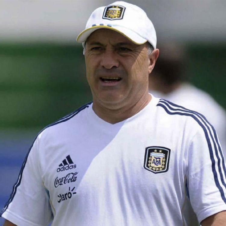 Julio Olarticoechea podría ser el nuevo DT de la Selección Argentina