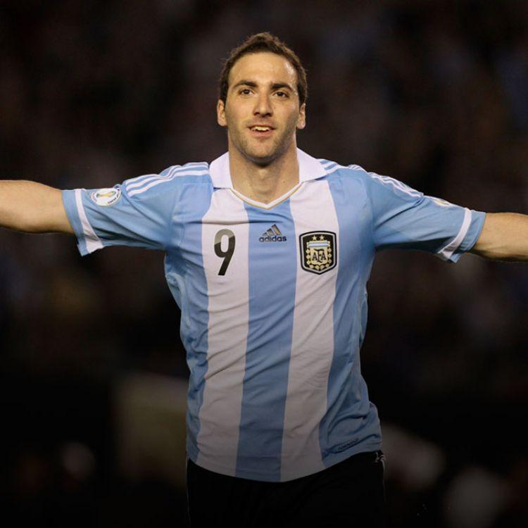 La convocatoria incluye al capitán,Lionel Messi, ya recuperado de su lesión, como así también las vueltas deGonzalo Higuaín.