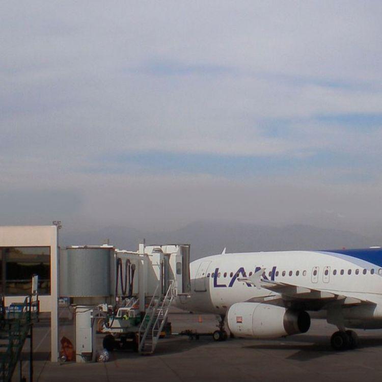 Por el momento,en el aeropuerto de Ezeiza no sale ningún vuelo, tampoco en el Aeropuerto de Córdoba.