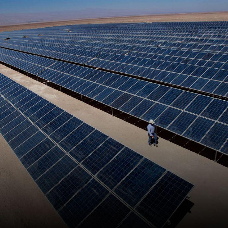 El ministro de energía amplió el margen de contratación de los proyectos de generación térmica que había licitado en mayo, en casi 1.000 MW.