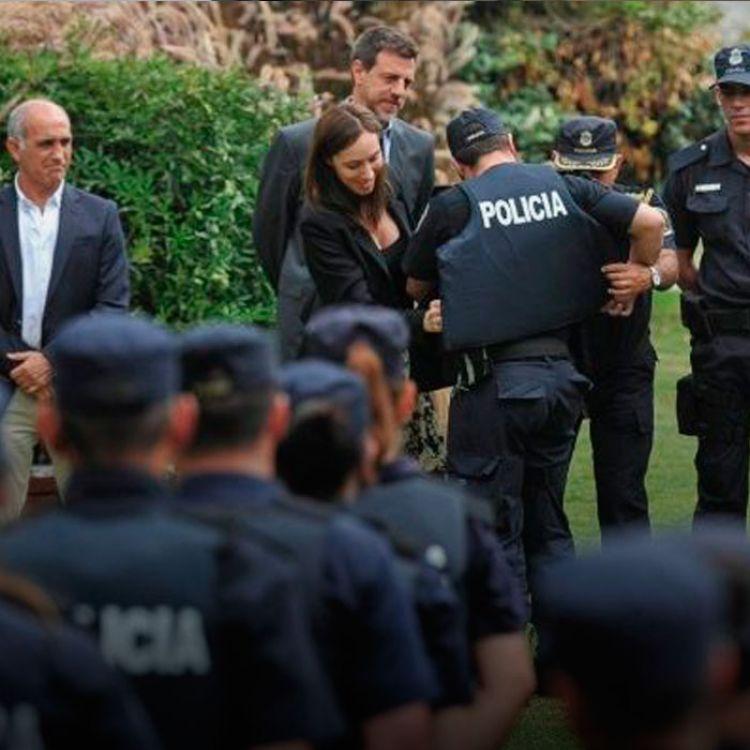 """En total unos 2.130 policías fueron apartados por distintas faltas, de los cuales 700 debieron ser separados por """"connivencia"""" con el delito."""