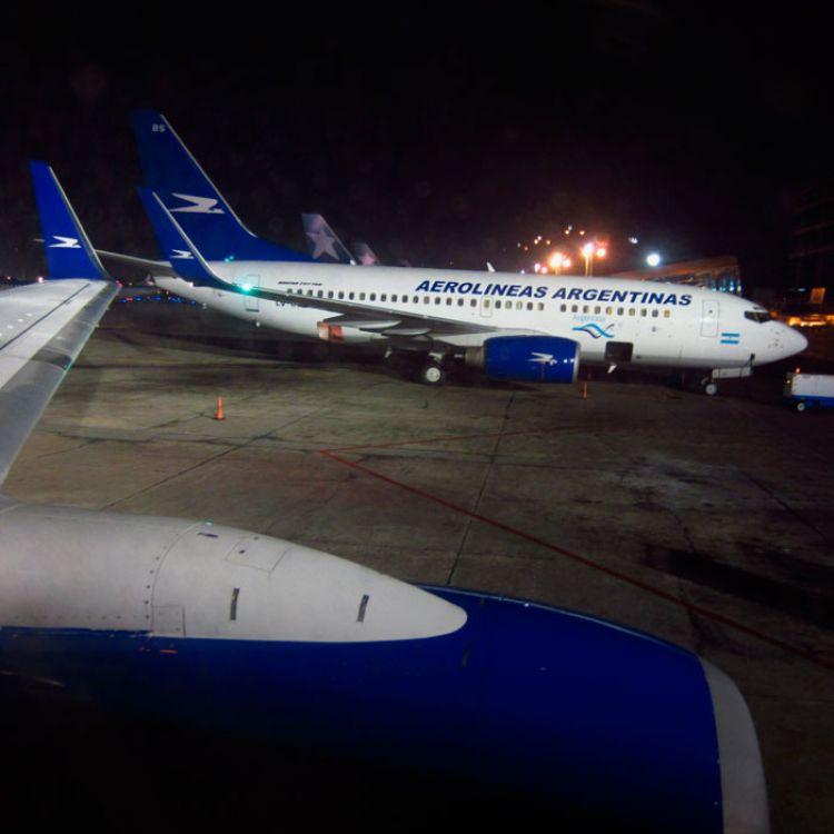Parece casi seguro la apuesta a profundizar los vuelos de cabotaje, pero la incógnita se ciernesobre los destinos de larga distancia.
