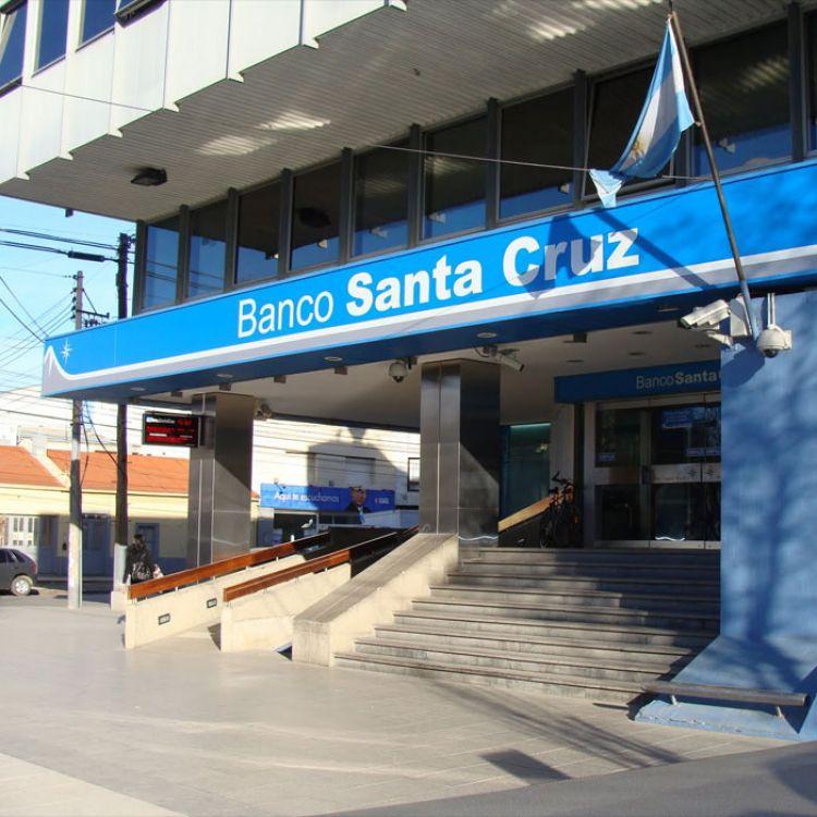 El operativo busca alrededor de 10 cajas de seguridad a nombre de Cristina y su familia.