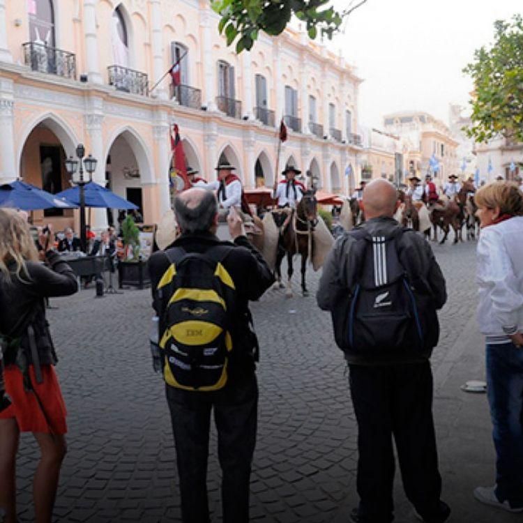 El funcionario Ovejero agregó que salteños y turistas tendrán muchas propuestas para que puedan disfrutar durante esos días.