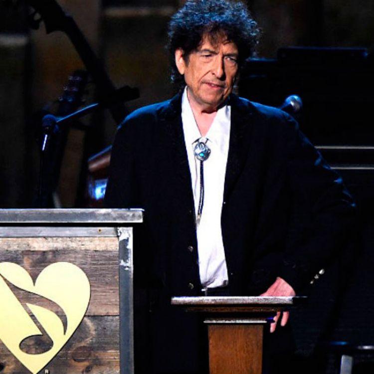 El de Literatura, reconocimiento que entrega 927.740 dólares, es el último de los premios Nobel que se concederá este año.