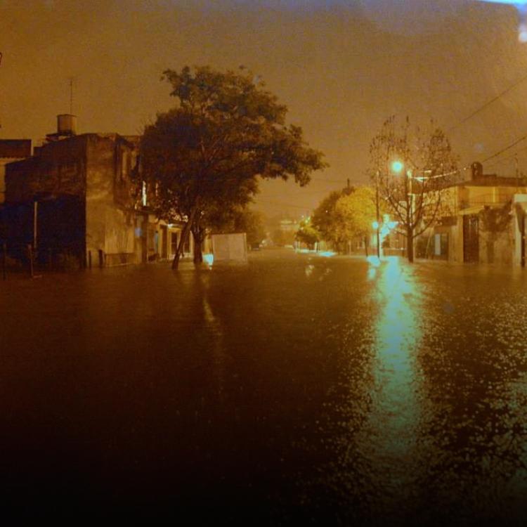 Las tormentas podrían causar la caída abundante de agua en cortos períodos de tiempo, actividad eléctrica y posible caída de granizo.