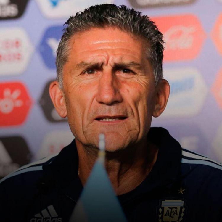 Edgardo Bauza planea hacerle caso a los hinchas ymetería algunas variantes en la lista para afrontar los compromisos contra Brasil y Colombia.