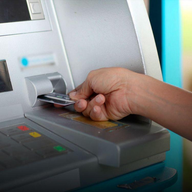 Algunas de las opciones para obtener efectivo son los servicios Extra Cash de Visa, Cash Black, de Mastercard, y débito más efectivo.