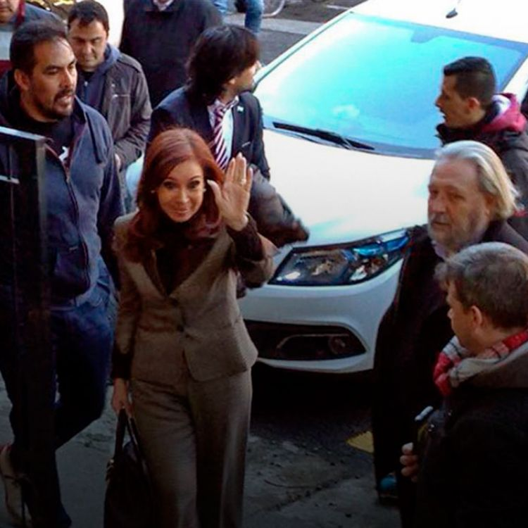 La indagatoria de la ex jefa del Estado ante Ercolini está prevista para las 10. Será interrogada por haber favorecido a Báez.