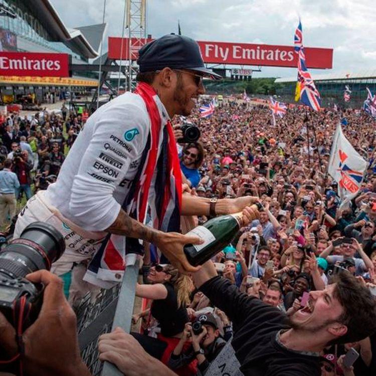 El inglés Lewis Hamilton, logró hoy un sólido triunfo en el Gran Premio de Gran Bretaña