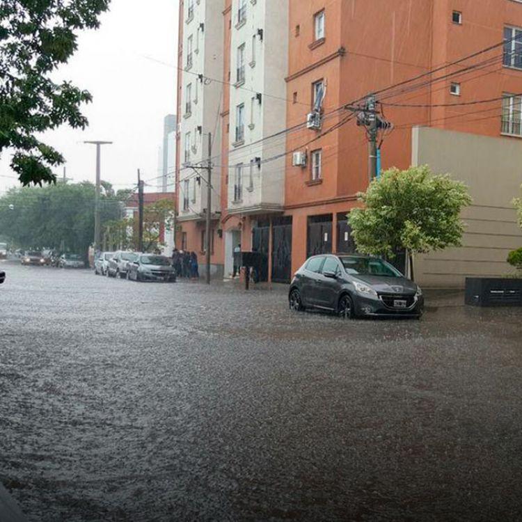 La gran lluvia ocasionó numerosos problemas en Salta.