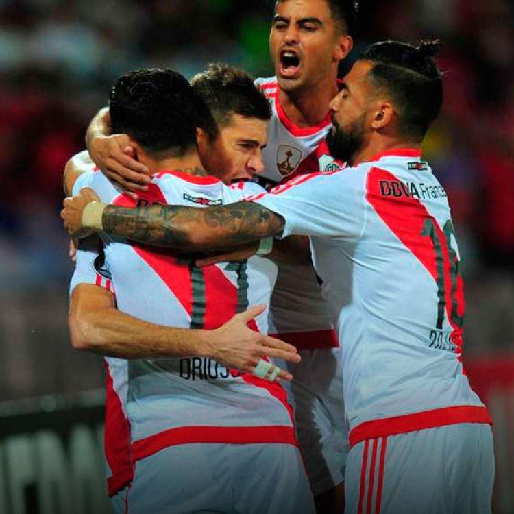 Con un campo de juego lamentable, River Plate le ganó 3 a 1 a Independiente de Medellín