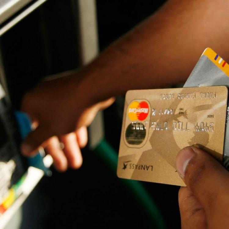 En Salta detuvieron a tres personas vinculadas a estafas bancarias
