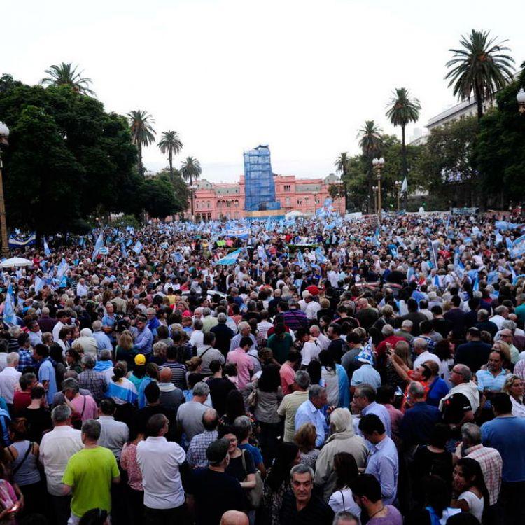 Importante marcha a favor del Gobierno a Plaza de Mayo