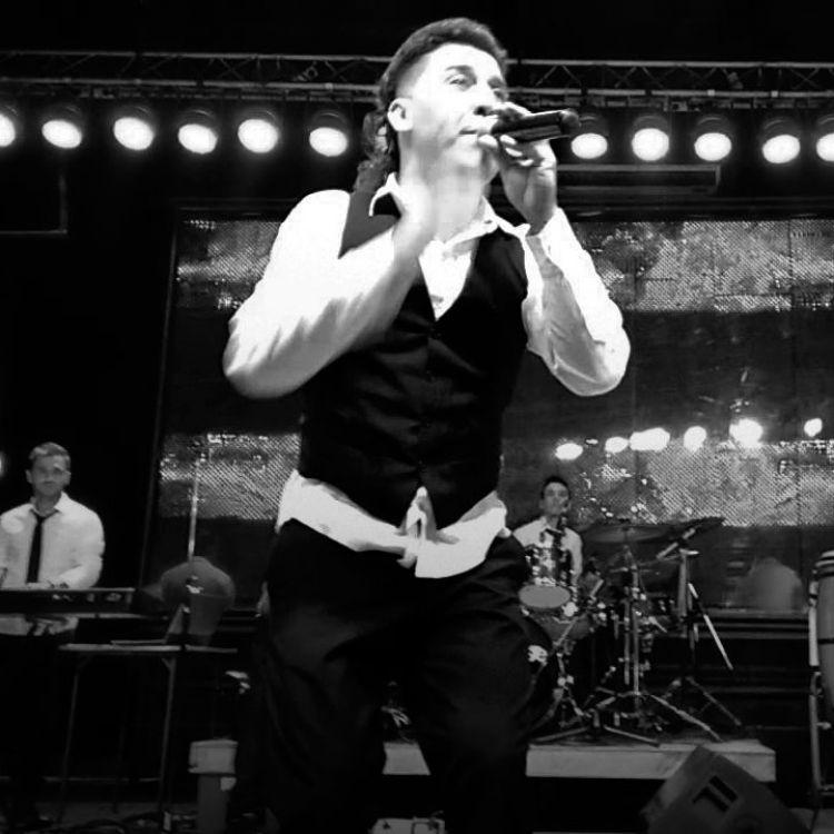 Muere el ex líder de Banda XXI, Walter Romero