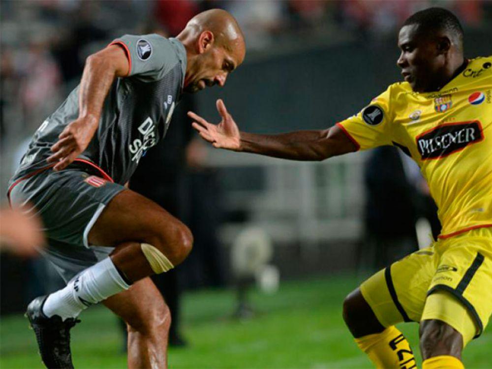 Estudiantes perdió 2-0 de local contra el Barcelona de Guayaquil