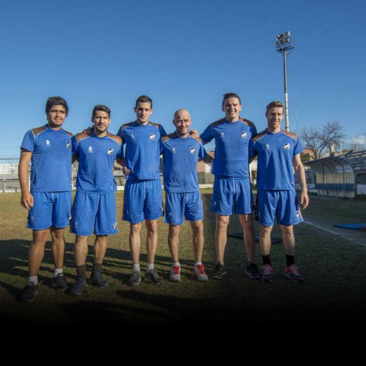 Avalos, More, Litre, Medina, Albornoz y Pablo Giménez, los refuerzos de Juventud que ya entrenan con el plantel que dirige J. J. López.