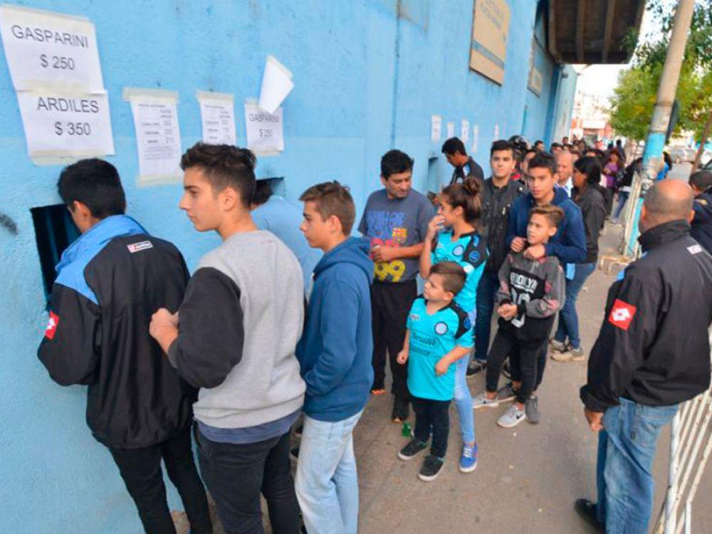 Belgrano-Talleres: Plateas agotadas para el super clásico cordobés