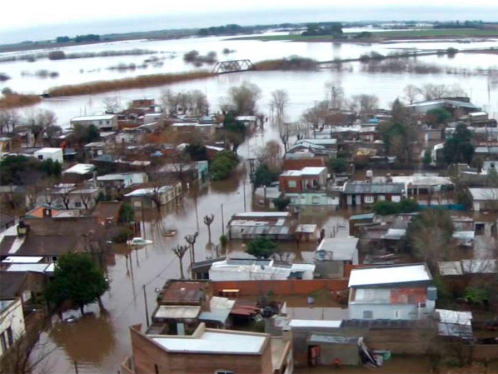Inundación en el norte bonaerense: hay más de mil evacuados en Salto