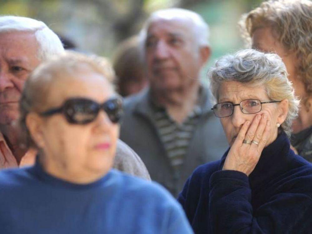 El 38% de los adultos mayores asegura que sus ingresos no les alcanzan para vivir