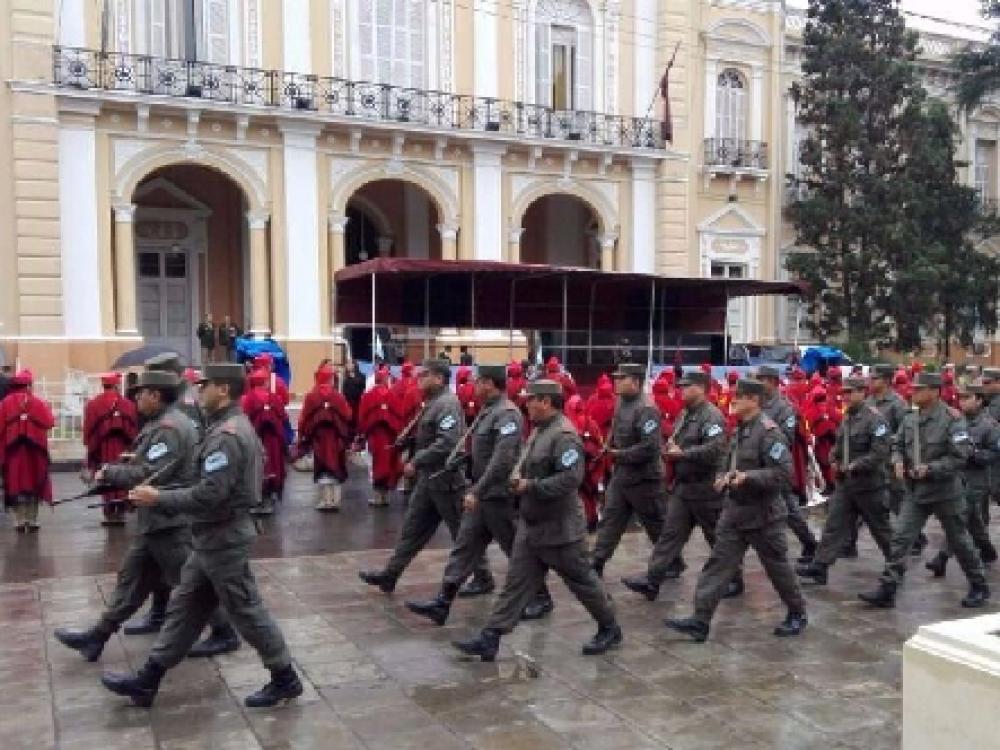 Con un desfile, Salta celebró el 435 aniversario de su fundación