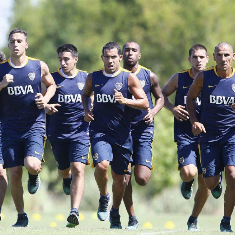 Boca Juniors entrenando en la Bombonera
