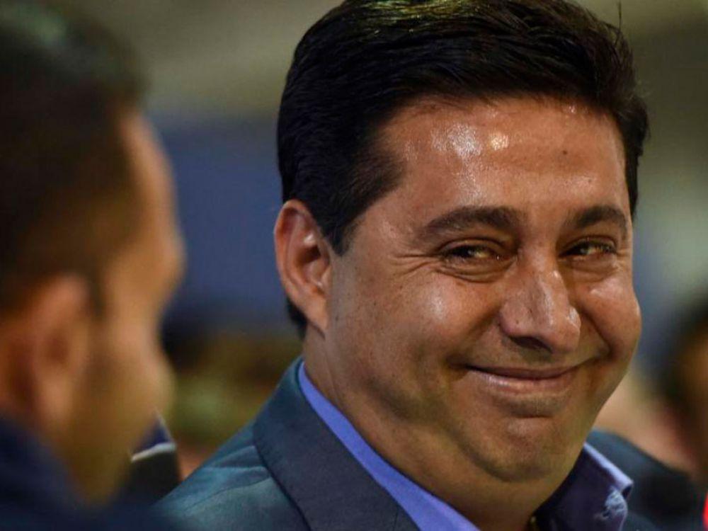 """Angelici: """"Tenemos el dinero para Tevez y Centurión"""""""