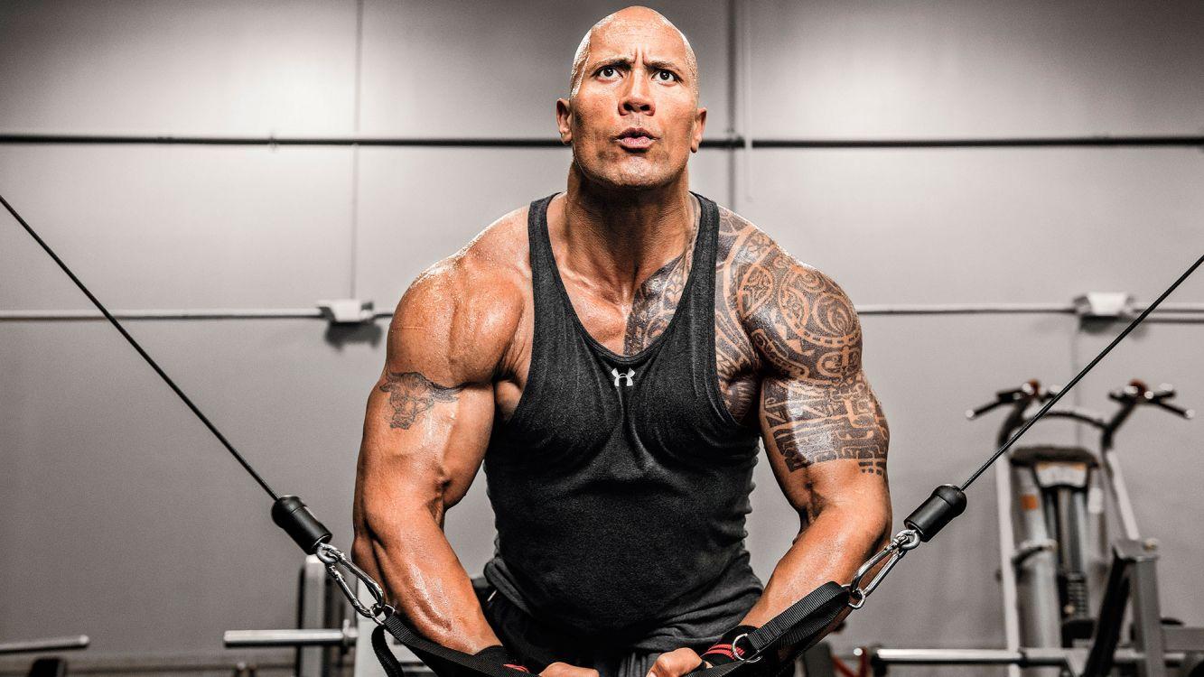 Tremenda musculatura de Dwayne Johnson, una de las estrellas de Rápidos y Furiosos. Mirá como lo logra!