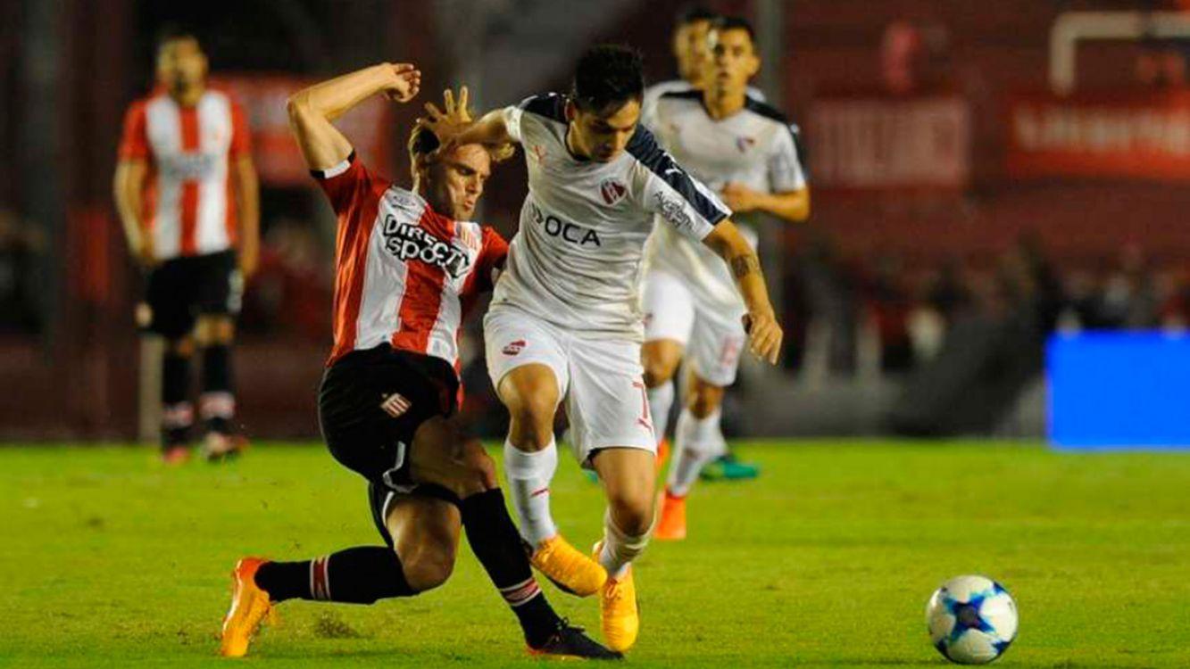 Independiente y Estudiantes empataron 2-2 en un partido vibrante