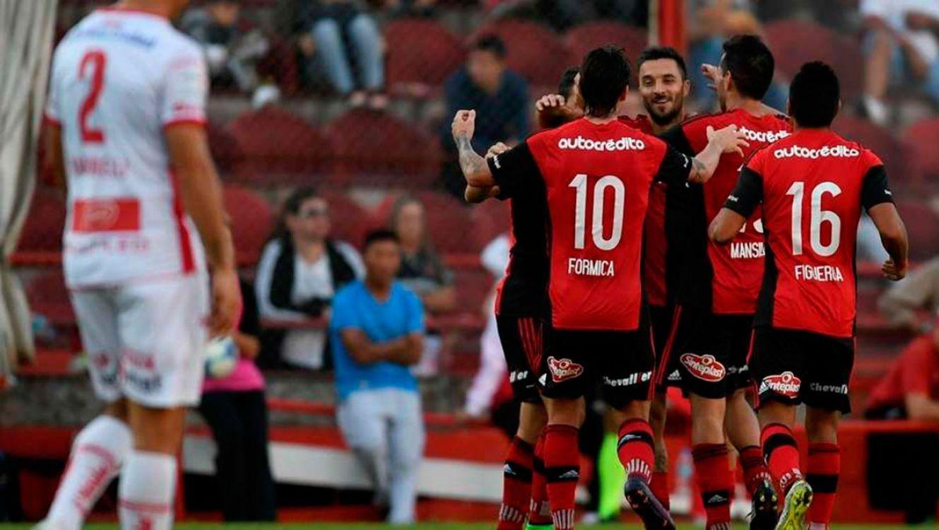 Newels ganó de visitante 1-0 con gol de Scocco