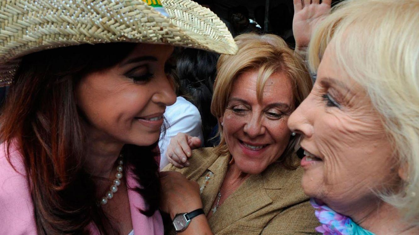 Cristina Kirchner bloqueó a Mirtha Legrand en Twitter