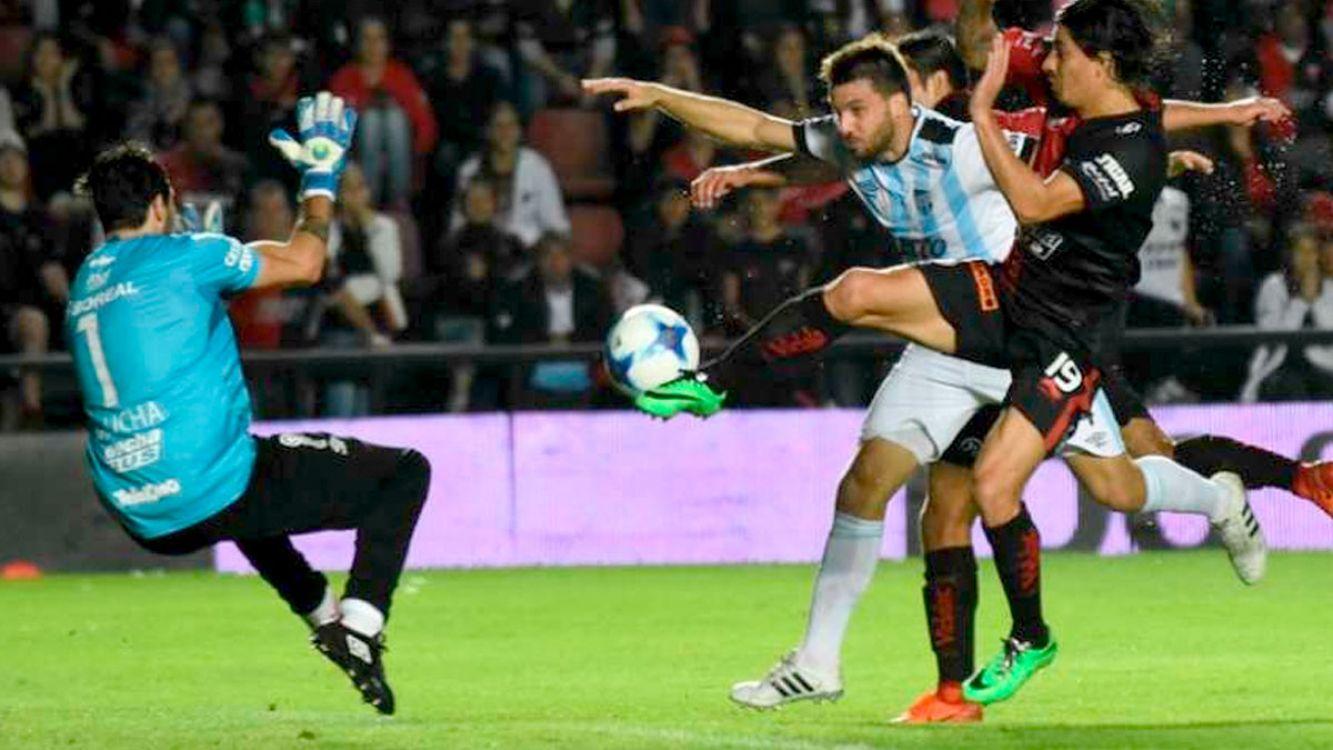 Colón no pudo con Atlético Tucumán se llevó un empate de visitante