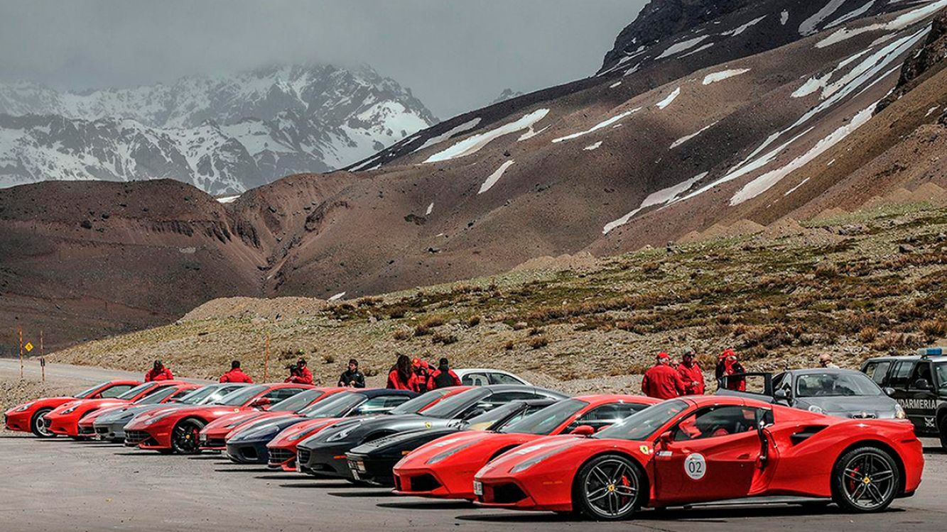 Más de 50 autos Ferrari recorrerán los paisajes de Salta