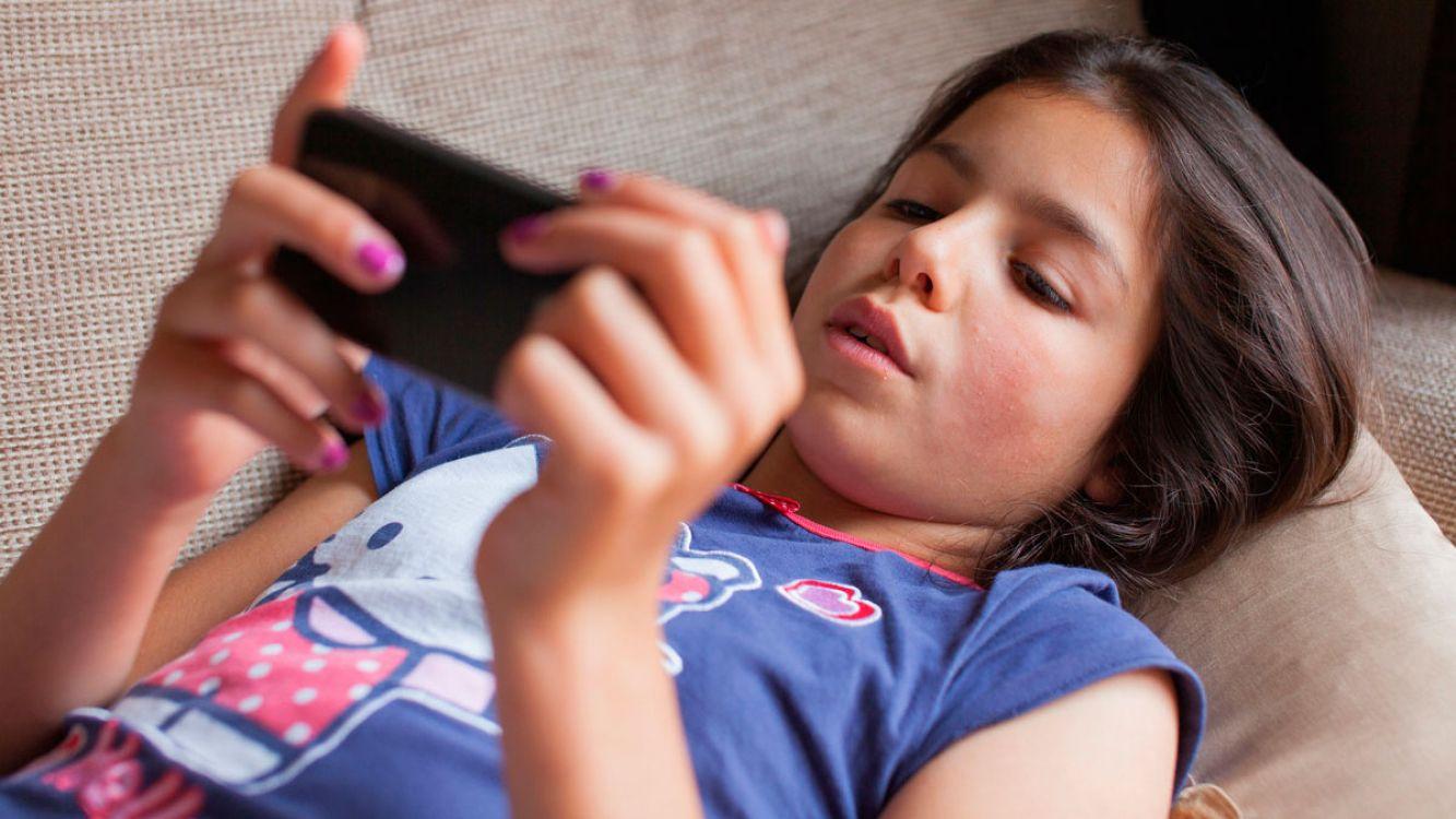 ¿Por qué se debe limitar el uso de los smartphone a los niños?