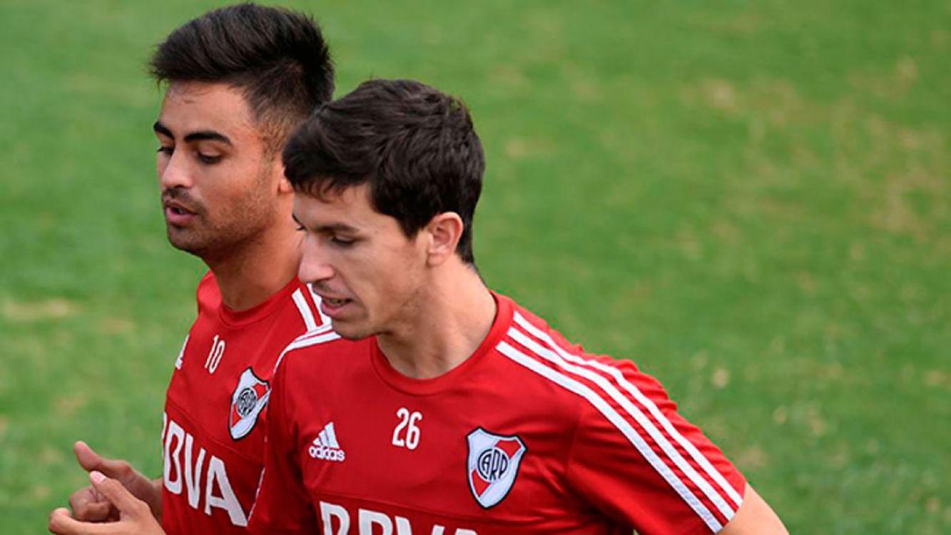 Nacho Fernández y Pity Martinez en la práctica de River Plate