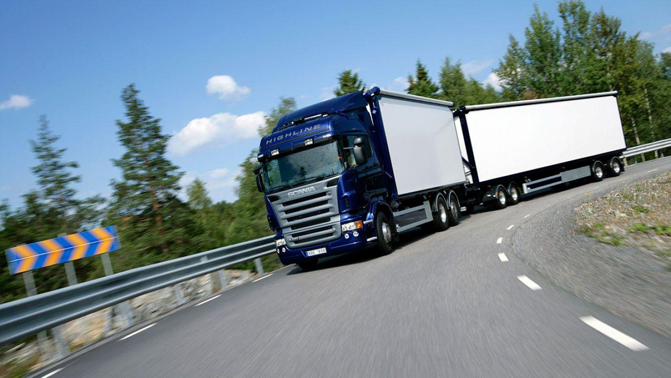 Los camiones siguen siendo el medio de transporte más usado para las cargas en el país