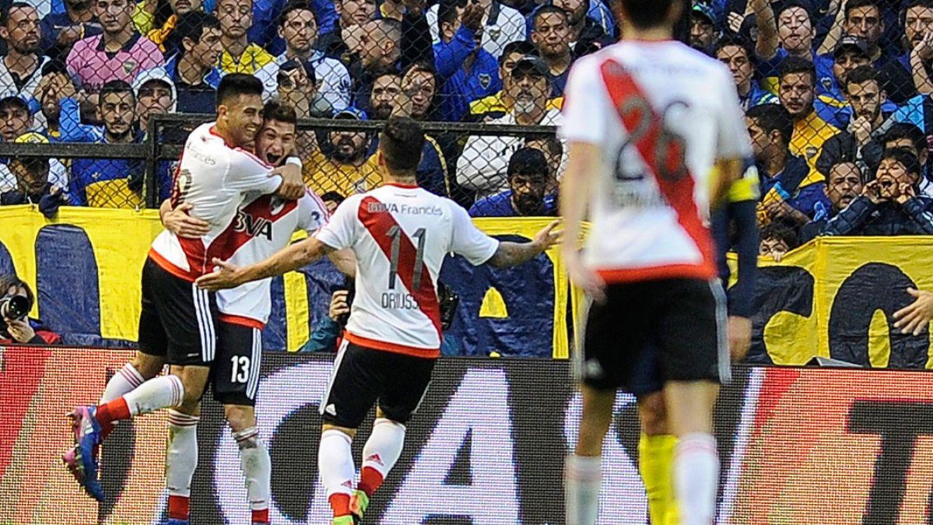 River festajndo el gol del Pity Martinez