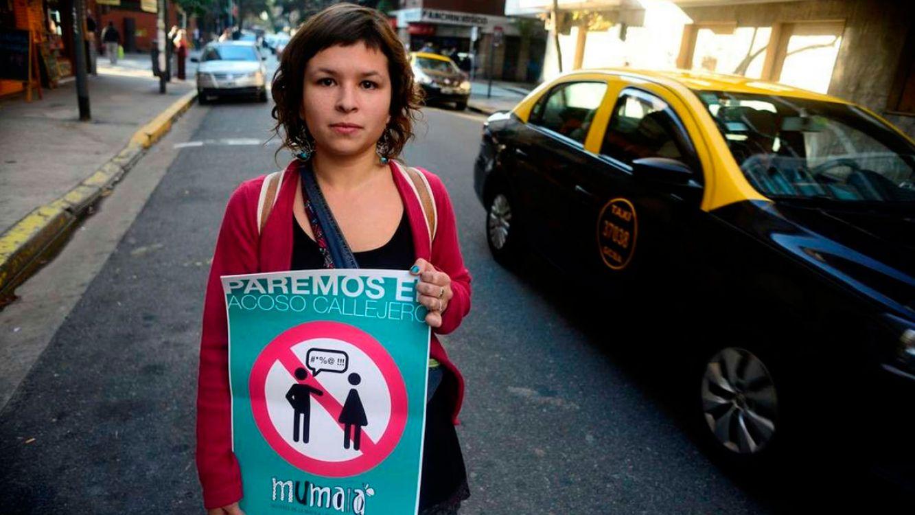 Acoso callejero: Le ordenan a un taxista aprender a respetar a las mujeres