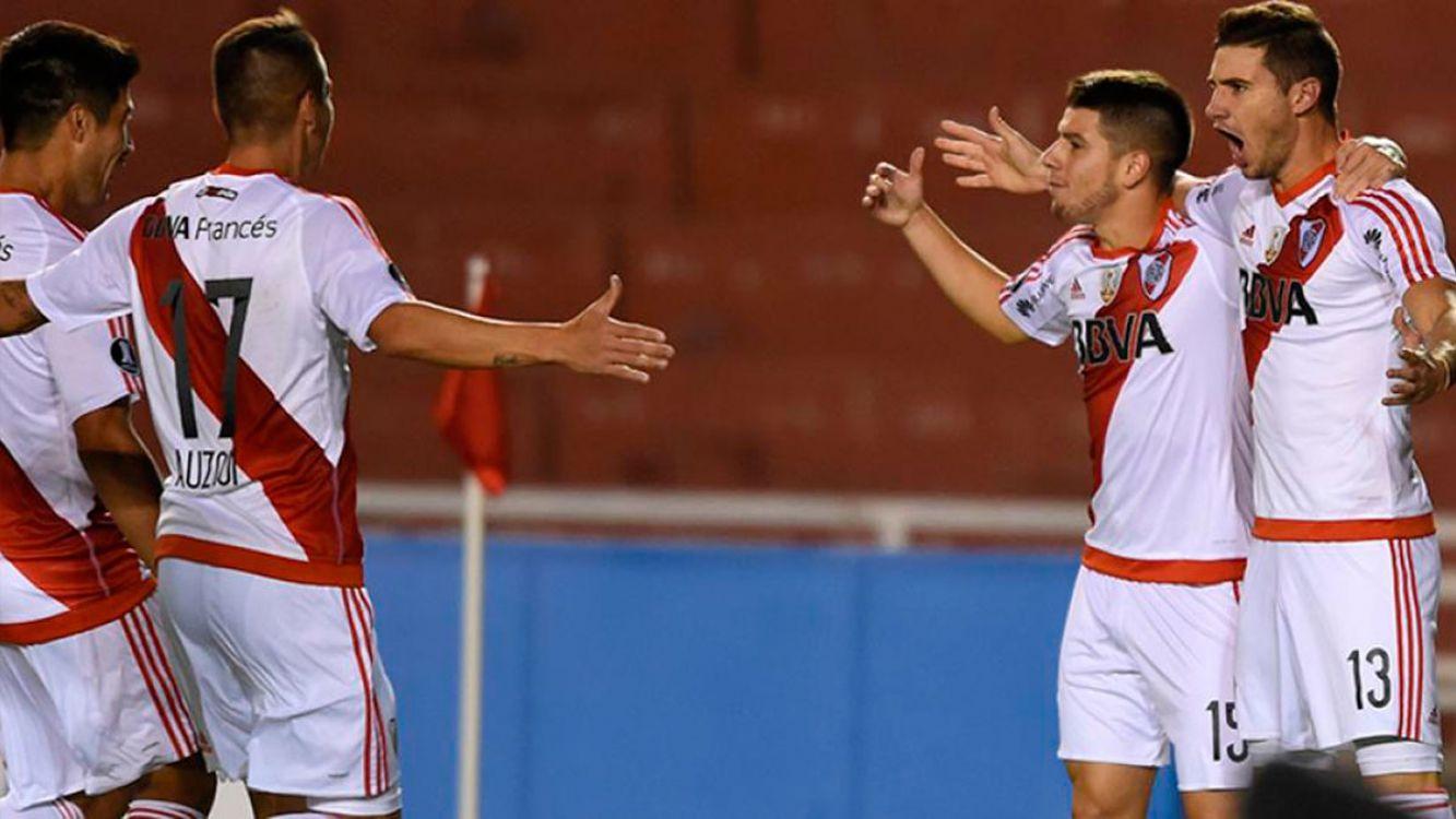 River Plate ganó 3-2 de visitante al Melgar y se clasificó primero del grupo