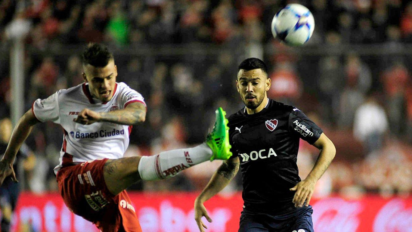 Independiente lo dio vuelta sobre la hora, le ganó 2-1 a Huracán