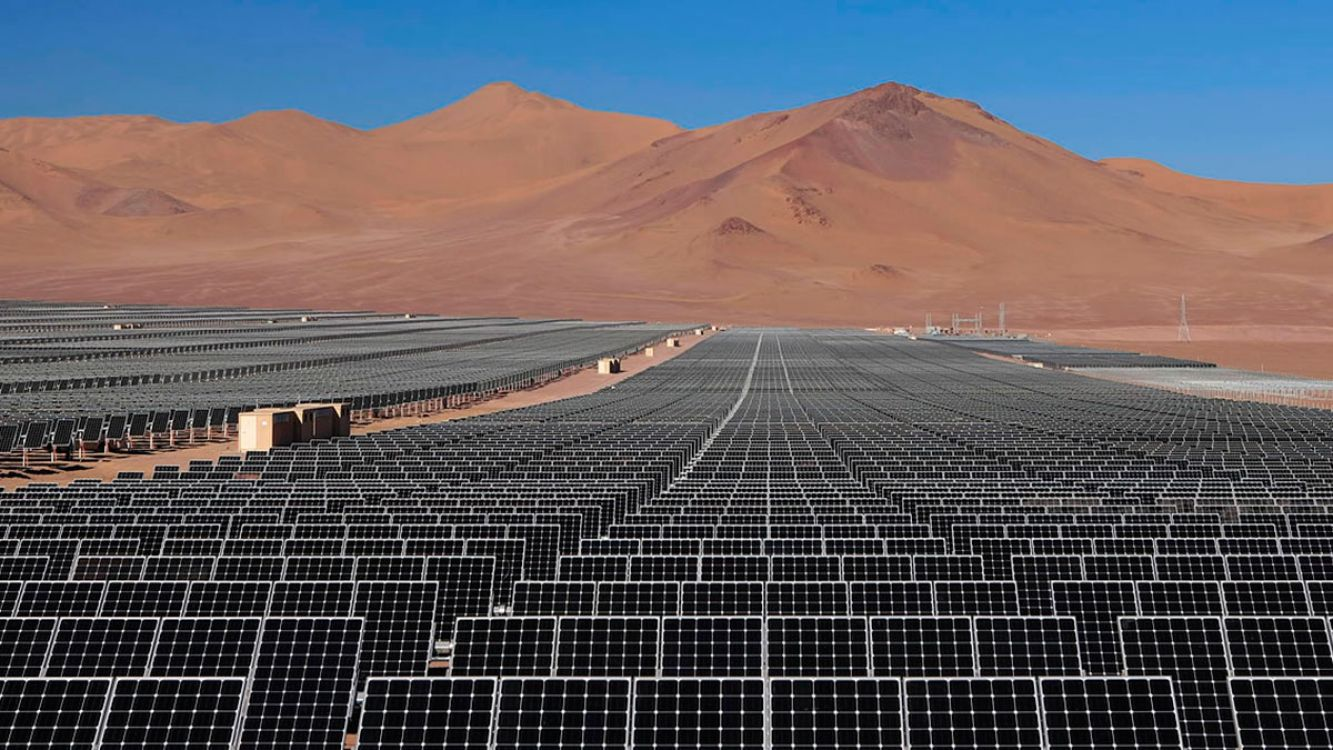 Parque solar de la Puna salteña