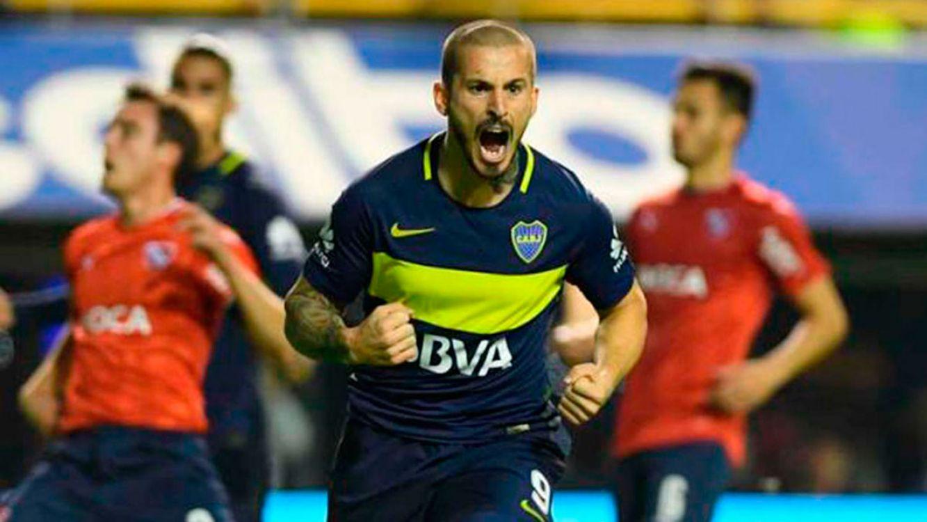 Boca goleó a Independiente y sueña con el campeonato