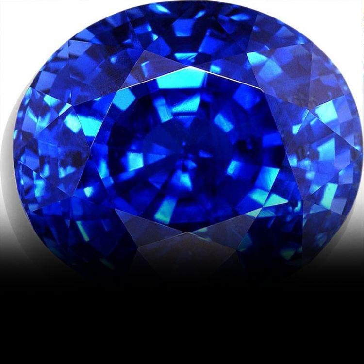 El zafiro azul causa sensación en el mercado.